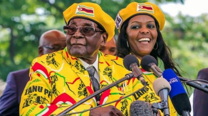 Robert Mugabe dan istrinya Grace Mugabe.