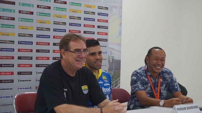 Pelatih Persib Bandung Merasa Tersanjung Laga di Stadion Manahan Dihadiri Jokowi