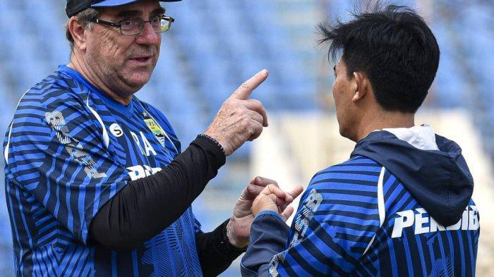 JADWAL Piala Menpora 2021 Live Indosiar - Respons Kalem Pelatih Persib Bandung Seusai Drawing