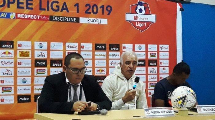 Persija Jakarta vs Borneo FCL: Roberto Carlos Mario Gomez Soroti Wasit yang Pimpin Laga