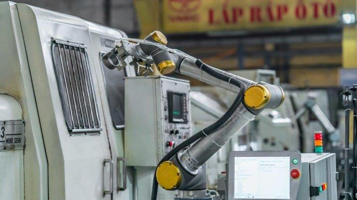 Robot Kolaboratif, Harmonisasi Manusia-Mesin, dan Produktivitas Manufaktur