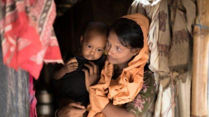 Jeritan Minta Tolong Warga Rohingnya dari Atas Kapal yang Terombang-ambing di Laut Aceh Utara