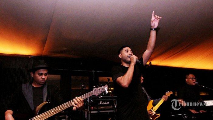 Chord Gitar Lagu Melamarmu - Badai Romantic Project, Lirik 'Jadilah Pasangan Hidupku'