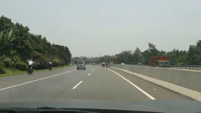 Rombongan pesepeda dalam video tersebut teridentifikasi memasuki Jalan Tol Jagorawi tepatnya Km 46+500 (Polingga), kejadian ini terjadi pada Minggu (14/9) sekitar pukul 11.00 WIB.