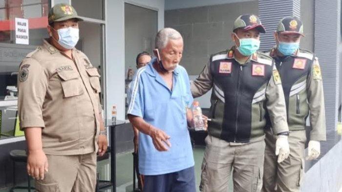 Kakek 75 Tahun Tersesat di Kediri dalam Kondisi Kebingungan, Lupa Jalan Pulang ke Rumahnya