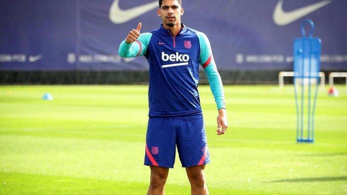 Ronald Araujo, bek muda milik Barcelona