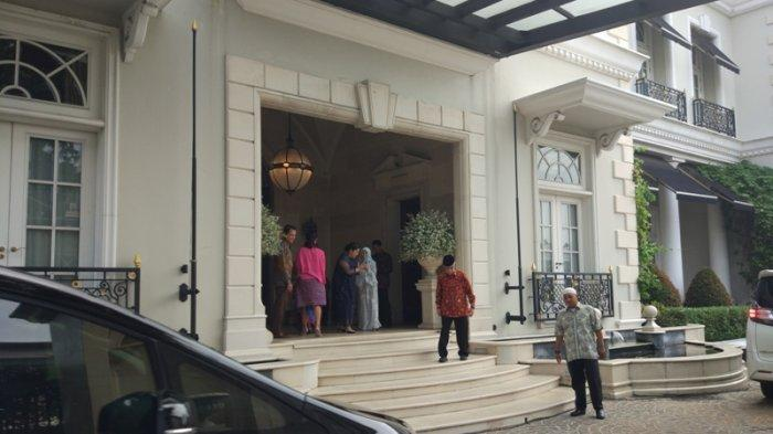 Sejumlah Duta Besar Halal Bihalal di Kediaman Ketum Kadin Indonesia