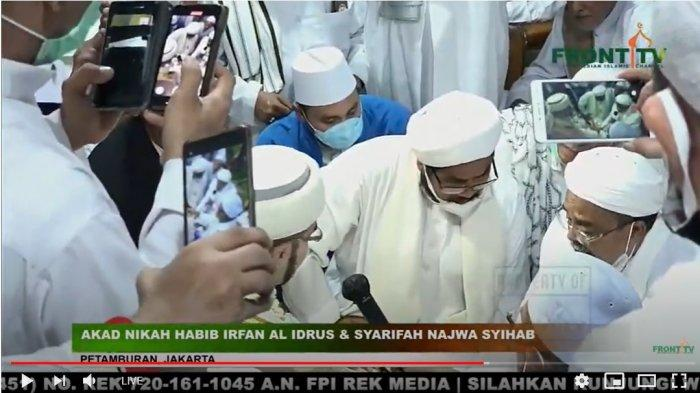 Proses akad nikah pernikahan putri Habib Rizieq Shihab, Syarifah Najwa Shihab dengan Irfan Al Idrus