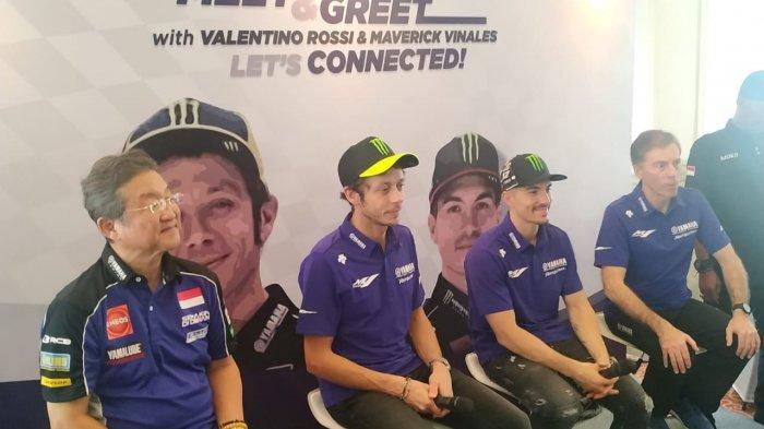 Pebalap dari tim Monster Energy Yamaha MotoGP, Valentino Rossi dan Maverick Vinales, di acara Meet and Greet sekaligus peluncuran aplikasi Y-Connect di Hotel Bandara Internasional, Cengkareng, Selasa (4/2/2020).