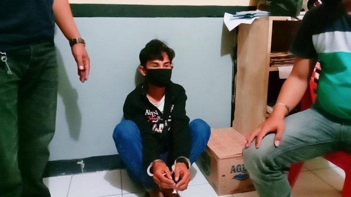 Sadis Ketika Menganiaya Korban, Begal Ini 'Ngumpet' di Atas Plafon Saat Didatangi Polisi