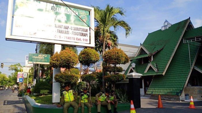 Selvi Ananda Lahiran di RS PKU Solo, Pedagang Dilarang Berjualan di Trotoar karena Area Steril