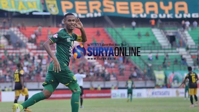 Ruben Sanadi saat laga PSS Sleman Vs Persebaya. Kapten Bajul Ijo ini akan absen di laga PSM Makassar Vs Persebaya lantaran mengalami cedera di bagian dada