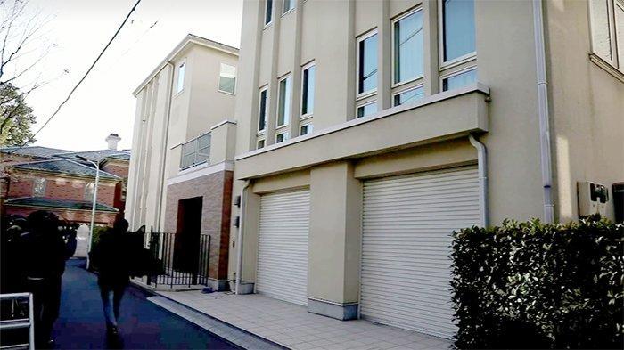 Rumah tahanan luar Carlos Ghosn di Minatoku Tokyo yang digerebek pihak kejaksaan, Kamis (2/1/2020).
