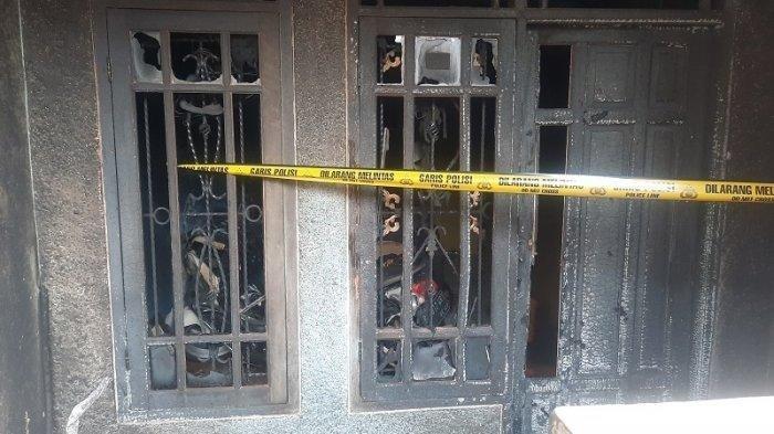 Kondisi rumah yang dibakar di kawasan Ciputat Timur, Tangerang Selatan.