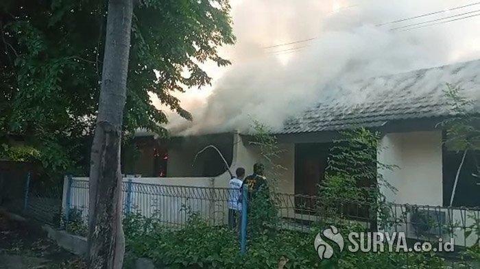 Dua Rumah Dinas Jasa Marga di Surabaya Terbakar, Diduga Akibat Bakar-bakar Sampah Sembarangan