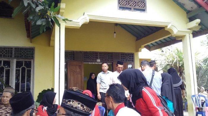 Suasana di rumah duka siswa SLB tewas tenggelam di embung. Tribunlampung.co.id/Didik