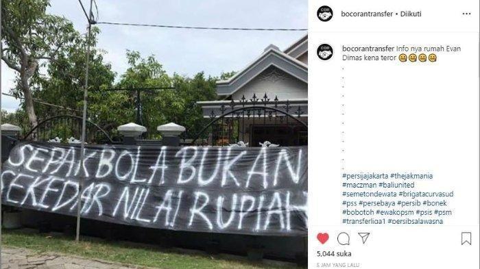 Rumah Evan Dimas di Surabaya Diteror setelah Resmi Gabung Persija Jakarta, Spanduk Besar Membentang
