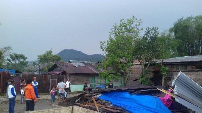 Angin Puting Beliung Picu Kerusakan 113 Rumah di Tapanuli Utara