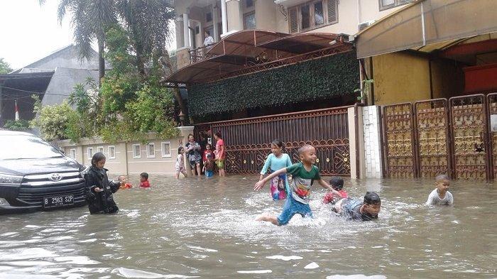 Rumah Raja Dangdut, Rhoma Irama, di  Perumahan Pondok Jaya terendam banjir, Rabu (1/1/2020).