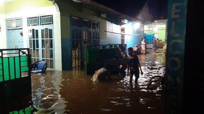 Rumah Warga di Kampung Cipayung Cibinong Bogor Tergenang Air Saat Hujan Deras di Kabupaten Bogor