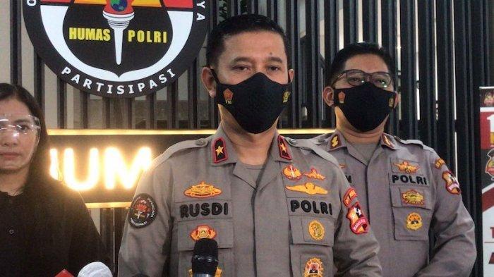 Karo Penmas Divisi Humas Mabes Polri Brigjen Pol Rusdi Hartono saat jumpa pers di Gedung Divisi Humas Mabes Polri, Rabu (6/10/2021).