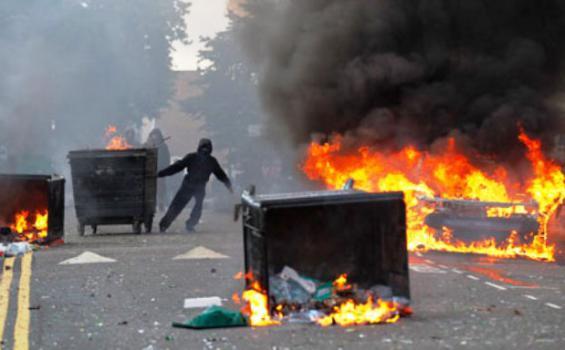 Kerusuhan Terjadi di Kota Ambon