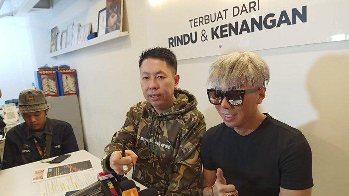 Pengacara Henry Indraguna dan Roy Kiyoshi (Warta Kota/Feryanto Hadi)