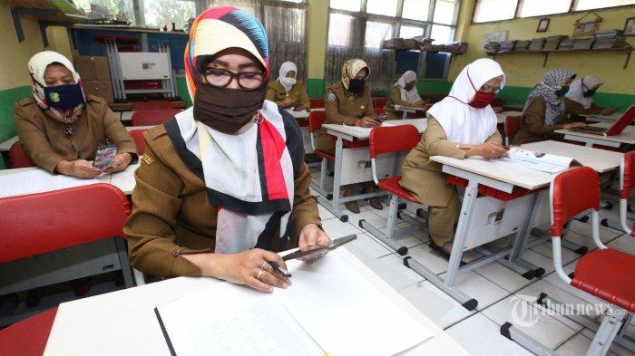 Pimpinan DPR Minta Pemerintah Kaji Mendalam Rencana Pembukaan Sekolah di Luar Zona Hijau