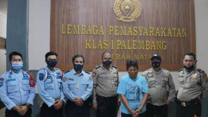 Seorang pengunjung Lembaga Pemasyarakatan (Lapas) Klas I Palembang ketahuan menyelundupkan sabu.