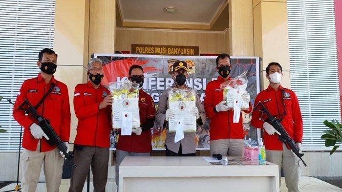 Polisi Buru Pemilik Terios yang Bawa 10 Kg Sabu, Kabur Saat Kecelakaan di Jalintim Muba