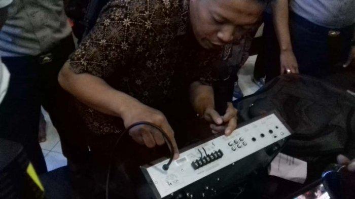 3 Petunjuk Ini Yakinkan Marbot Jika Amplifier Di Tas MA Milik Musala, Petunjuk Ketiga Mengejutkan