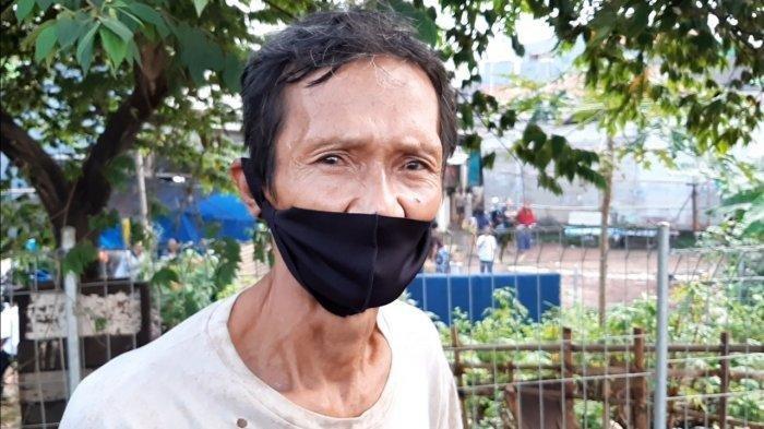 Syahrul, warga yang melihat dua pria mencurigakan di sekitar TKP penemuan jenazah Yodi Prabowo, saat ditemui di Ulujami, Pesanggrahan, Jakarta Selatan, Senin (20/7/2020).