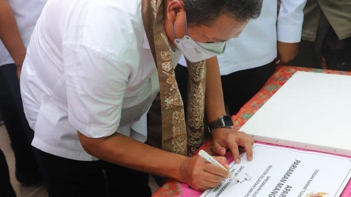 Menteri Trenggono Ajak Pemda dan Masyarakat Jaga Kebersihan Hutan Mangrove