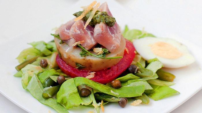 Sarapan Salad Bikin Sehat, Ini Triknya Agar Tak Menggerus Lambung Saat Perut Kosong