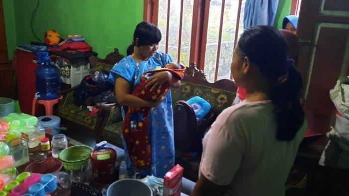Bayi Perempuan Dibuang di Depan Rumah Warga di Banyumas, Ada Tas Isi Pakaian dan Dot
