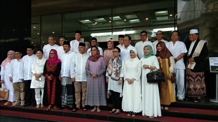 Menteri Keuangan, Perhubungan, dan Luar Negeri Salat Idul Adha di Kantot Pusat Pajak