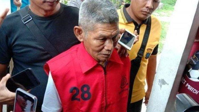 Samirin, terdakwa pencuri getah pohon rambung usai menjalano sidang vonis di Pengadilan Simalungun, Rabu (15/1/2020) (Tribun Medan/Tommy Simatupang)