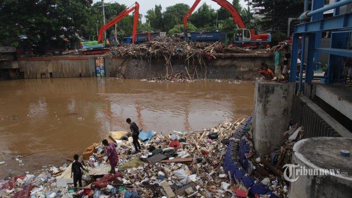 Soroti Parahnya Dampak Banjir, Hotman Paris Ingatkan Jokowi: Cepat Bertindak, Keluarkan Perpu