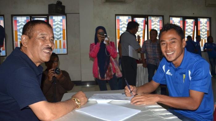 Dikontrak Persib Dua Tahun, Samsul akan Boyong Keluarganya ke Bandung