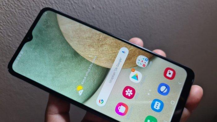 Samsung Galaxy A12.