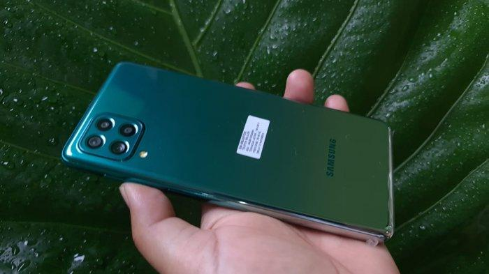 Samsung Galaxy M62 warna green.