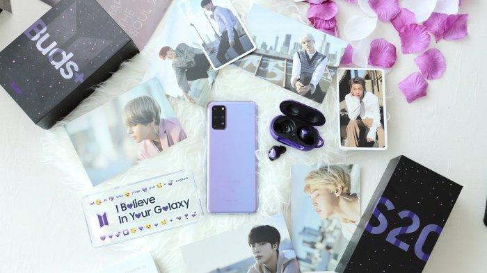 Samsung Galaxy S20+ dan Buds+ BTS Edition.
