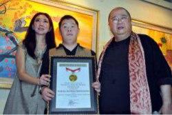 Samuel, Pelukis Down Syndrome Mendapat Rekor MURI
