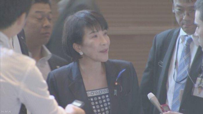 Menteri Dalam Negeri dan Komunikasi  Sanae Takaichi (56)