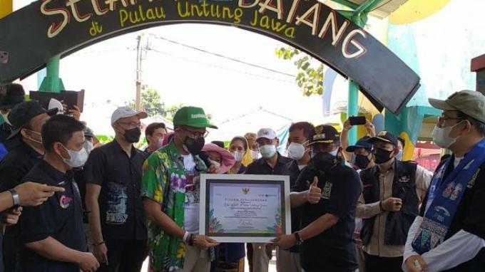 Masuk 50 Desa Wisata Terbaik, Menparekraf Dorong Eksistensi UMKM di Pulau Untung Jawa