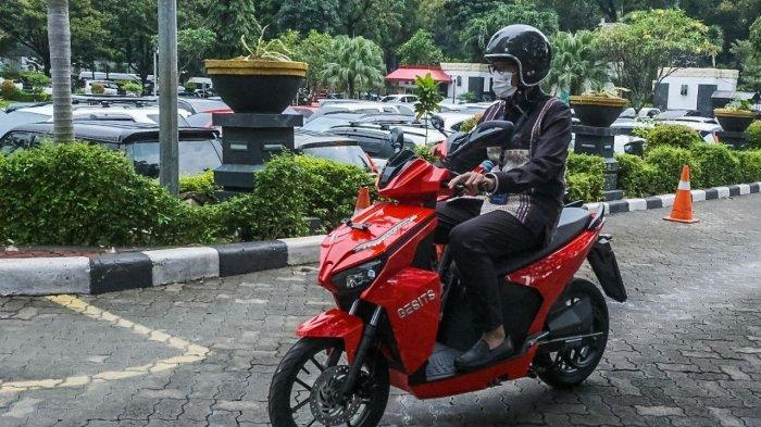 Menparekraf Sandiaga Dukung Penggunaan Motor Listrik di Destinasi Pariwisata