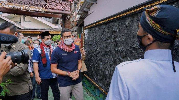 Fasilitasi Pemda Bangun Desa Wisata, Sandiaga Uno Tinjau Kampoeng Jadhoel di Semarang