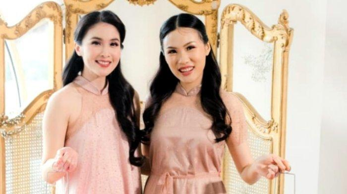 Gaet Desainer Cynthia Tan, Sandra Dewi Luncurkan Koleksi Fashion Claire New Year
