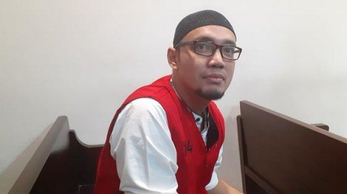 Sandy Tumiwa saat menjalani sidang perdana kasus narkoba di Pengadilan Negeri Jakarta Pusat, Kamis (11/7/2019).