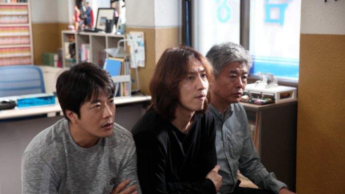 Sang-Woo Kwon, Dong-il Sung, dan Kwang-Soo Lee dalam The Accidental Detective 2